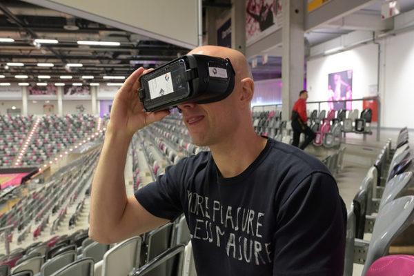 Telekom Magenta - VR user inside the arena