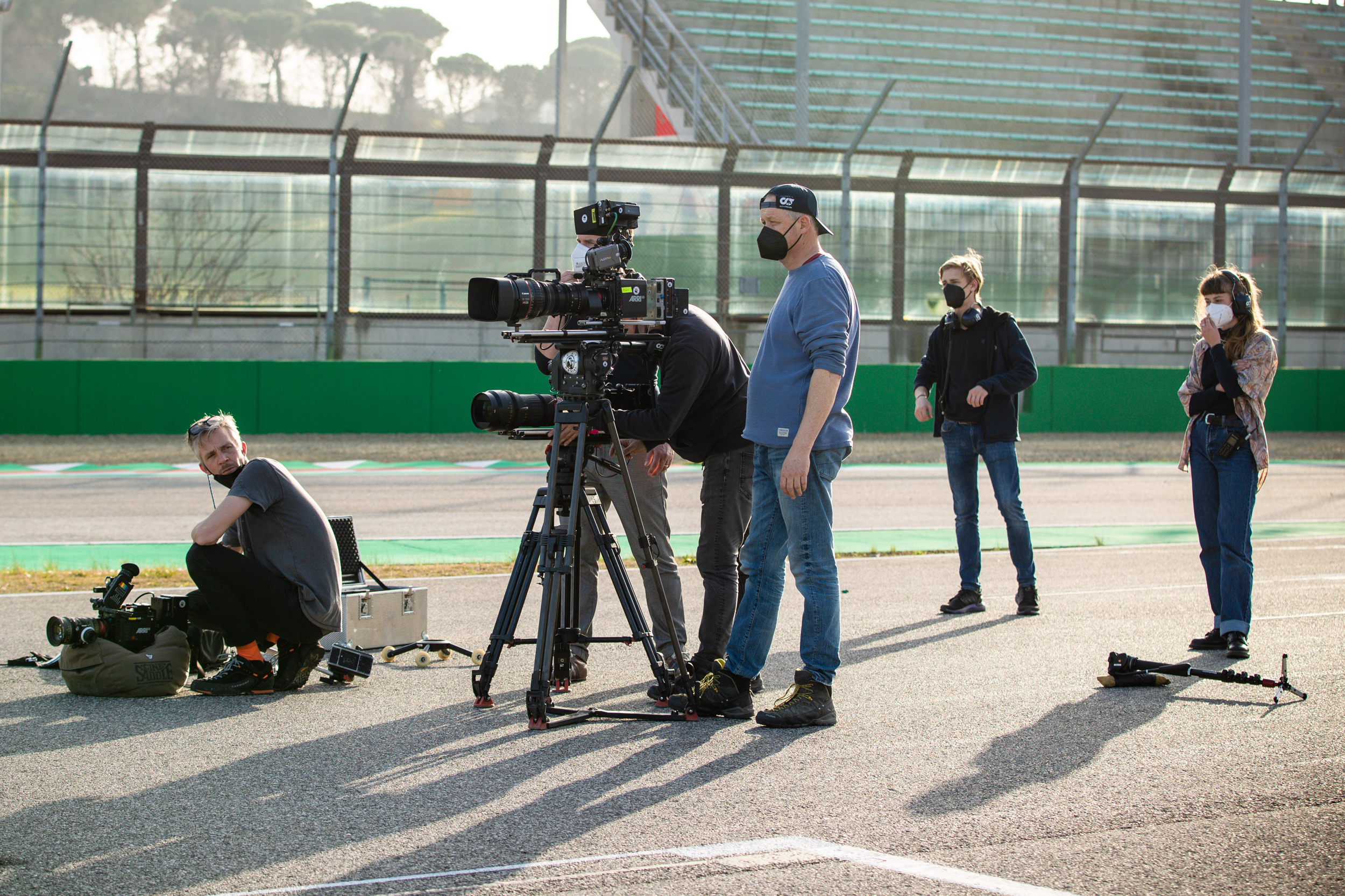 The crew gets ready for the final shot - Alpha Tauri F1 Shakedown 2021